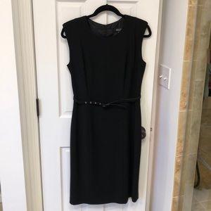 Women's Sleeveless/Jumper Dress